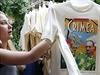 Nová kolekce triček s Putinem, kterou nabízejí moskevské obchody, inspirovaly... | na serveru Lidovky.cz | aktuální zprávy
