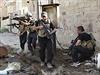 Iráčtí vojáci během bojů se sunnitskými vzbouřenci.