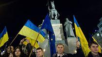 Na podporu revoluce. Na Václavském nám�stí v Praze demonstrovalo 20. února... | na serveru Lidovky.cz | aktu�ln� zpr�vy
