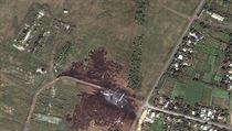 Místo zřícení malajsijského letadla na satelitních snímcích.