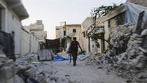 Voják v troskách Aleppa | na serveru Lidovky.cz | aktu�ln� zpr�vy