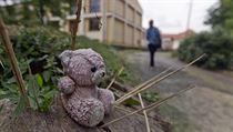 """""""V době naší kontroly byl Liběchov jedním z nejhorších, co jsme viděli,"""" vzpomíná Marie Lukasová, vedoucí oddělení dohledu nad omezováním osobní svobody z úřadu ombudsmana. V té době navštívili Varvařovského podřízení zhruba 20 až 30 ústavů, sankčně ale postupovali jen proti dvěma z nich. To byl případ i dětského domova v Liběchově."""