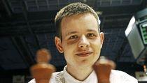 JE TO O HLAVĚ. Více než kdokoliv jiný ji potřebují ke svému sportu šachisté. Na snímku nejlepší český reprezentant David Navara.