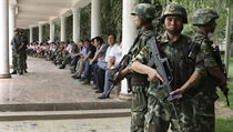 Bezpe�nostn� jednotky v autonomn� oblasti Sin-�iang na severoz�pad� ��nsk� lidov� republiky.