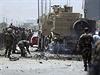 Taliban v akci. Teroristické útoky jsou v Afghánistánu na denním pořádku. Tento týden se například odpálil sebevražedný atentátník v autě naloženém výbušninami u policejní budovy ve městě Ghazní. Útok nepřežilo 18 lidí.   .