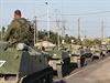Jednotky rusk�ch ozbrojen�ch sil u pohrani�n� obce Kamensk-�achtinsky. Z�padn�...