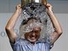 Ice bucket challange, aneb ledová výzva (ilustra�ní foto). | na serveru Lidovky.cz | aktu�ln� zpr�vy