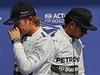SOUPE�I V JEDNOM TÝMU. Nico Rosberg (vlevo) a Lewis Hamilton se te� nemohou... | na serveru Lidovky.cz | aktu�ln� zpr�vy