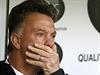 To už vážně není dobré! Louis van Gaal sleduje další nepovedený zápas svého týmu.