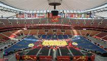 Národní fotbalový stadion ve Varšavě, 62 tisíc lidí, jeden volejbalový zápas.