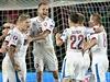 Čeští reprezentanti slaví vítězný gól nad Nizozemskem.