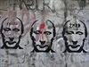 Původní graffiti zobrazující Vladimíra Putina na zastávce Přístaviště v pražském Bráníku.