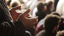 Du�á. Na rozdíl od modlitby nemá du�á neboli prosba k bohu p�edepsanou formu... | na serveru Lidovky.cz | aktu�ln� zpr�vy