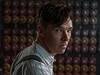 Benedict Cumberbatch ve filmu The Imitation Game (Kód enigmy).