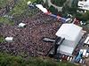 Areál byl postaven na louce u obory Hvězda na pražském Vypichu. Do večera se celý naplnil, přišlo 60 tisíc diváků.