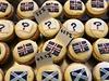 Pekárna v Edinburghu zjišťovala, jaké koláčky jdou na odbyt. Koláčky s britskou vlajkou kupovalo 47,7 procenta zákazniků, se skotskou vlajkou 43,5 procenta. 8,8 procenta mlsalů si koupilo koláček s otazníkem.