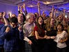 Radost z výsledků. Stoupenci unie oslavují rozhodnutí Skotska setrvat v jednom svazku s Velkou Británií.