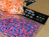 Balíčky gumiček loom bands s označením EC, které podléhá regulím EU.