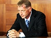 Lobbista Roman Janou�ek p�jde na 4,5 roku do v�zen� za sra�en� �eny autem,...