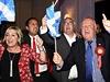 Brit�nie z�stane po �tvrte�n�m referendu ve Skotsku jednotn�. Bojovn�ci v kampani �No� oslavuj� setrv�n� v unii.
