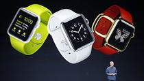 Apple Watch se budou prod�vat ve t�ech verz�ch. Na v�b�r bude i z n�kolika...