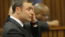 Pistorius b�hem soudu plakal.