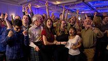 Radost i zklam�n� z v�sledk�. Skotsk� referendum v obrazech