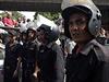Policisté střeží místo činu po explozi v Káhiře.