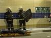 Nehoda se stala ve 13:00 nedaleko výjezdu na Letnou. Do několika minut na místo dorazily jednotky hasičů, záchranářů a policejních vyšetřovatelů.