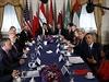 Americký prezident Barack Obama na schůzce s představiteli arabských států, které po boku USA udeřily na pozice Islámského státu v Sýrii.