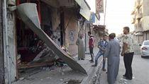 N�sledky americk�ch n�let� na syrskou oblast Rakka.