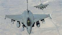 V akci. Dva z francouzských stíhacích letoun� Rafale, které 19. zá�í poprvé... | na serveru Lidovky.cz | aktu�ln� zpr�vy