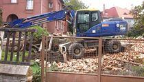 Nepovolen� demolice domu v pam�tkov� chr�n�n� oblasti.