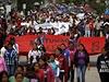 Demonstrace k připomenutí 46. výročí studentského masakru v Mexico City se proměnila především v protest proti zmizení 43 studentů po násilném střetu s policií ve městě Iguala.
