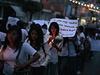 Smuteční průvod za 43 zmizelých studentů.