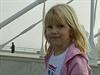 Na slavnostní otevření mostu se šly podívat rodiny s dětmi.