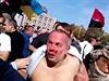 Záb�r z lyn�ování poslance ukrajinské Strany region� Nestora �ufry�e. | na serveru Lidovky.cz | aktu�ln� zpr�vy