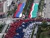 Tradičně velkolepou poctu Putinovi zorganizovali v čečenské metropoli Grozném.