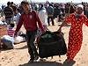 Z kurdského města Kobani na syrsko-turecké hranici denně prchají další civilisté