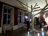 Šestnáctý ročník přehlídky užitého umění, nábytku a módy Designblok byl zahájen 7. října v Praze. Na snímku je část přehlídky umístěná v objektu Colloredo-Mansfeldského paláce v Karlově ulici.