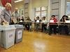 První den voleb do Zastupitelstva města Olomouce. Město je poprvé od komunálních voleb v roce 1990 jedním volebním obvodem.