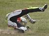 Pád! Ital Andrea Iannone nezvládl manévr na okruhu v Austrálii.