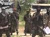Militanti z islamistické sekty Boko Haram. Vůdce hnutí Abú Bakr Šekau druhý...