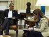Barack Obama telefonicky diskutuje o hrozb� eboly s �editelem Centra pro kontrolu nemoc� a prevenci (CDC) Tomem Friedenem.