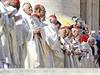 Pavel VI. se tak stal dal��m b�val�m nejvy���m p�edstavitelem katolick� c�rkve na cest� ke svato�e�en�.