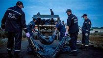 Petr Shelmovskiy, volný fotograf: Záchraná�i na míst� havárie v obci Grabovo... | na serveru Lidovky.cz | aktu�ln� zpr�vy
