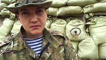 Ukrajinská letkyně Naděžda Savčenková, již ruští vyšetřovatelé viní z vraždy dvojice novinářů.