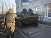 Na klid kolem ukrajinských voleb dohlíží armády i s obrněnými vozidly.