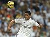 James Rodríguez zpracovává míč.