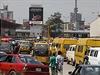 Billboard s preventivní kampaní proti epidemii eboly v ulicích největšího nigerijského města Lagos.